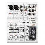 Yamaha 6-Channel Mixer / 2 Microphone