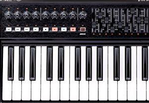 Roland 32-key MIDI Keyboard Controller, black